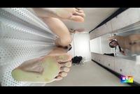 透視カメラ! 床下から見上げて更衣室を透視したら・・・ 1701-012F