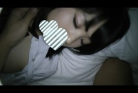 【個人撮影】じっくり休んでる女の子に二人でいたずら---新歓で会った渋谷の大学の新一年生