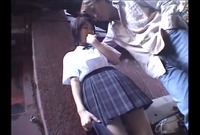 生意気制服娘 野外で露出 CHIRI 18歳