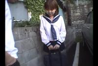 生意気制服娘 野外で露出 HIKARU 18歳